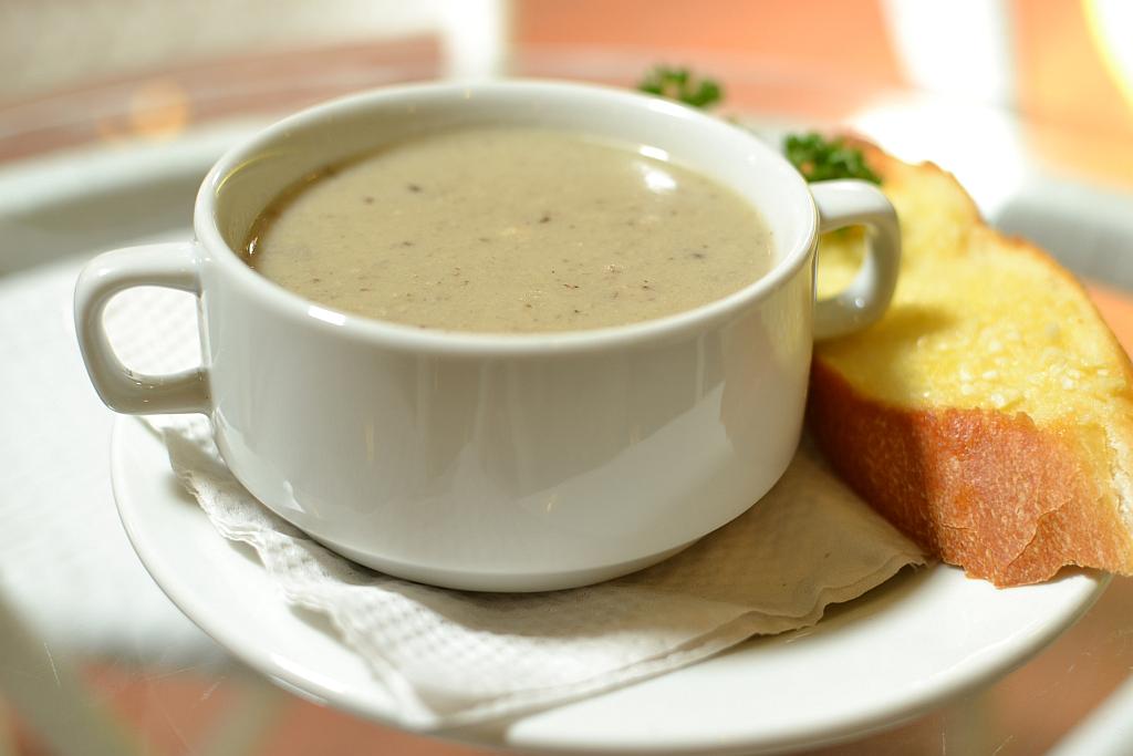 mushroom soup hungarian mushroom soup garlic mushroom soup ...